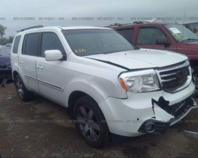 Salvage White 2012 Honda Pilot
