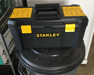 Like new Stanley toolbox