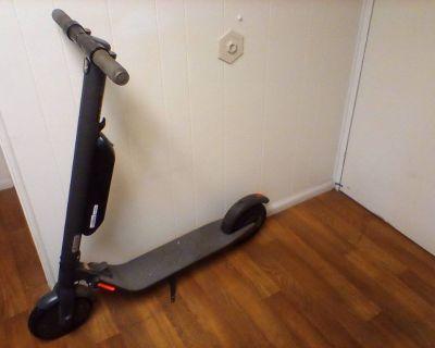Segway/Ninebot E22 eScooter