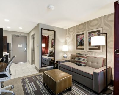 2-Bedroom Suite at Home2 Suites by Hilton KCI Airport by Suiteness - Kansas City
