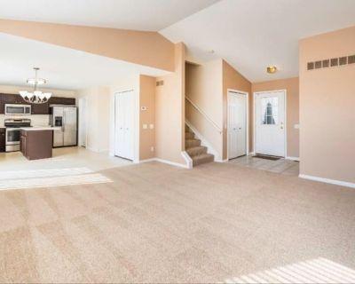 Private room with own bathroom - Ypsilanti , MI 48197