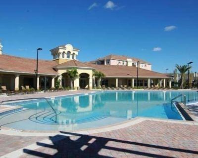 Luxury VistaCay 3BR 4Bathroom townhome, near Disney Universal Convention Ctr - Orlando