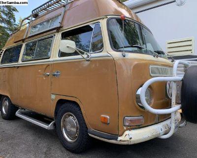 1971 VW Deluxe Hightop Adventurewagen Camper