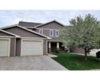 3 Bed / 1.5 Bath Townhome in River Falls