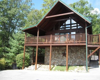"""""""Prime Time""""! Newly Redecorated, Great Family Fun! Close to Everything! - Black Bear Falls"""