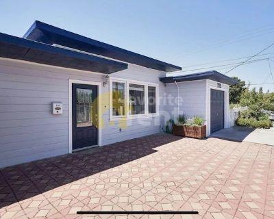 Menlo Park, 3 bedroom, 2 bathroom in the heart of Silicon Valley