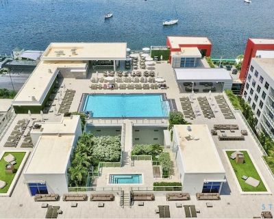 5 Beach Paradise Resort | Hot tub & UNIQUE Rooftop pool- - Hollywood Beach