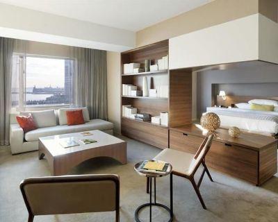 2-Bedroom Suite at Hyatt Regency Jersey City on the Hudson by Suiteness - Colgate Center