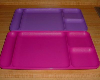 Barely Used Vintage Set Of 2 Tupperware Colorful Durable Divided Luncheon Trays. Slightly Raised Lip On Edges Prevent Spillage. Great For...