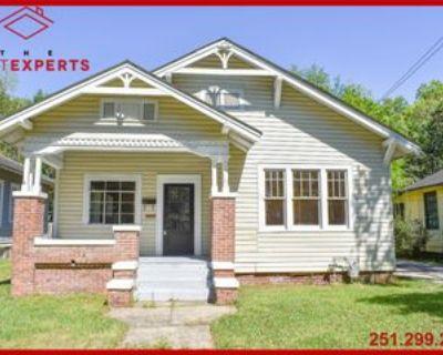 23 Houston St #1, Mobile, AL 36606 3 Bedroom Apartment