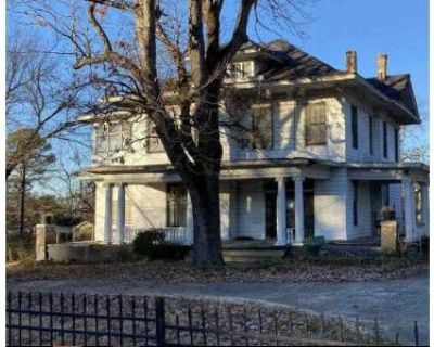 4 Bed 2.5 Bath Foreclosure Property in Little Rock, AR 72202 - S Summit St