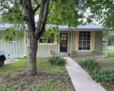 305 Lowry St, Kerrville, TX 78028 2 Bedroom House