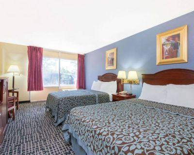 Blue Way Inn & Suites Wichita East-Deluxe 2 Queen Bed Non Smoking - Wichita