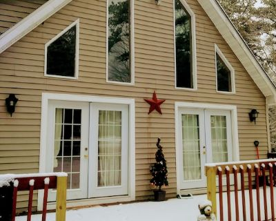 Beautiful Vacation home in Poconos. Enjoy nature in the mountains.Pet Friendly - Albrightsville