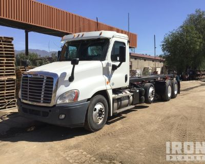 2014 Freightliner Cascadia 125 6x4 Roll Off Truck