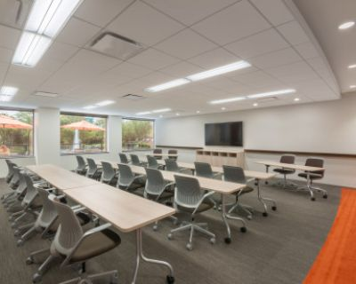 Professional Suburban Conference Room - Easy access off of 94, Skokie, IL