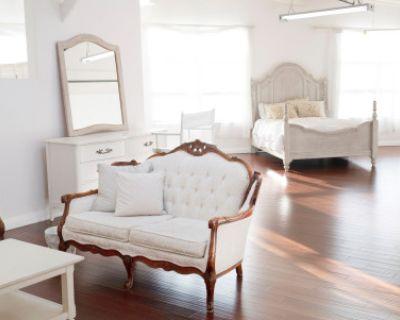 Natural Light Bright and Dreamy Studio Loft Perfect for Boudoir, Maternity, Newborn, Hair/Makeup, Meetings, Santa Clara, CA