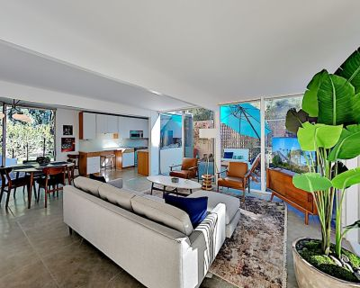 Updated Mid-Century Gem | Pool & Spa | 3 Patios & Gas Grill | Near Downtown - Palm Springs