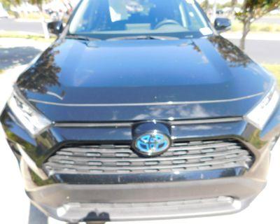 Pre-Owned 2020 Toyota RAV4 Hybrid XLE