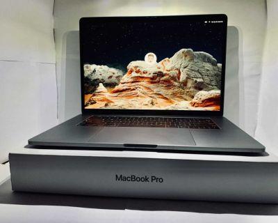 MacBook Pro 15 2018 with warranty until 2022!!! Bundle deal