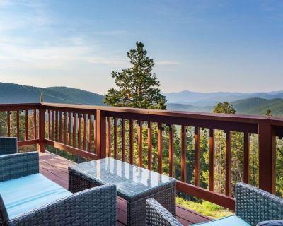 Serene Mountain Hideaway W/ Hot Tub & Sauna - Saint Mary's