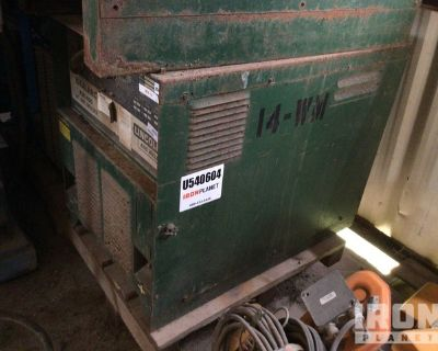 Lincoln Idealarc R3R-400 Electric Welder