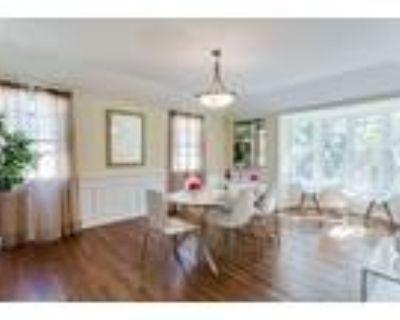 1472 Malcolm Avenue - 4 Bedrooms, 2 Bathrooms