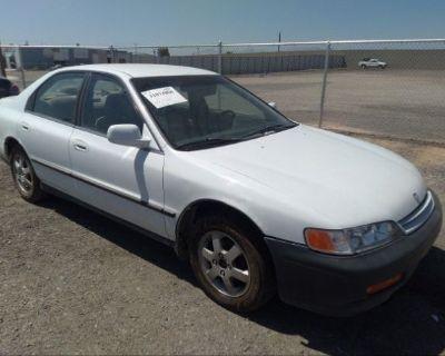 Salvage White 1995 Honda Accord