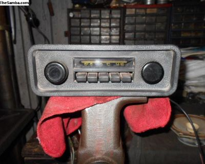 Working 1972 Beetle Sedan AM radio W/new speaker