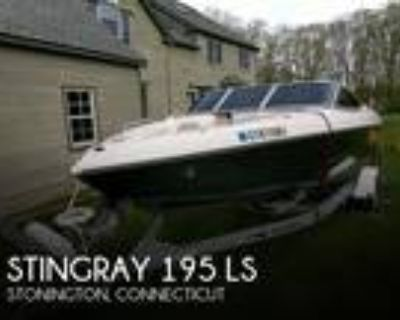 19 foot Stingray 195 LS