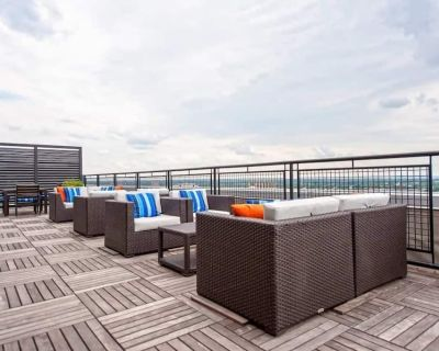 Modern CozySuites for your Louisville adventure! - Downtown Louisville