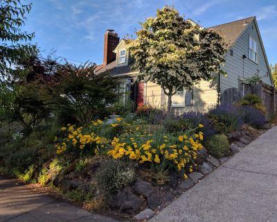 SE Portland Getaway & Natural Habitat - North Tabor