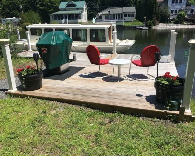 Tiny House(boat) on the Lake - Niverville