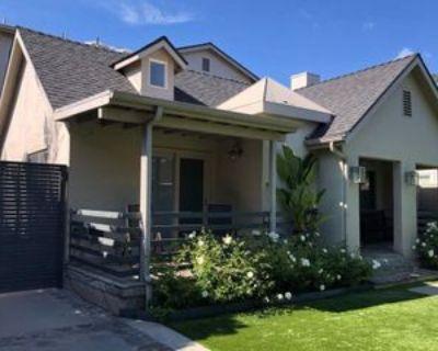 8727 Dorrington Ave, West Hollywood, CA 90048 4 Bedroom Apartment