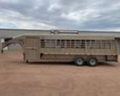 2021 Big Bend 24' Deluxe Tack Livestock Gooseneck Trailer