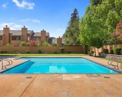 581 581 Lincoln Avenue - 1, Modesto, CA 95354 3 Bedroom Condo