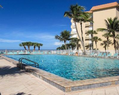 Island Getaway Right On The Beach! Leonardo Arms 514 2B/2B Vacation Condo w/ Balcony Views of Gulf and Resort Pool - South Island