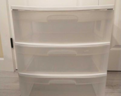 Storage container with 3 drawers