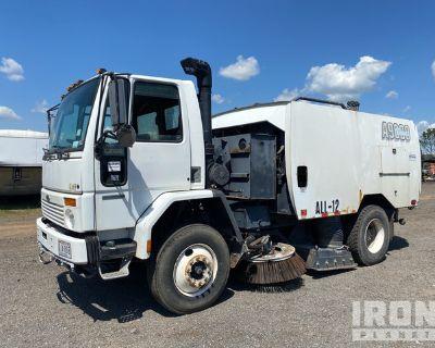 Schwarze A9000 on 2003 Sterling SC8000 Sweeper Truck
