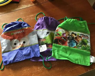 3 Muppets Most Wanted backpacks