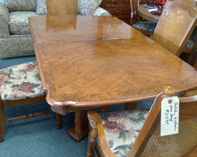 Dining Table, 6 Chairs, 1 Leaf