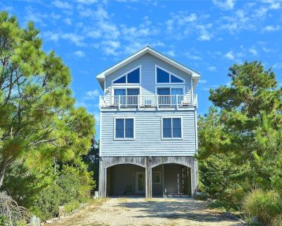 FREE ACTIVITIES INCLUDED!! Wonderful OCEANFRONT with 6 bedrooms + den, 6 bath home. Terrific views of the ocean. Loaded with many extras, including elevator. - Bethany Beach