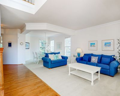 Bethany Lakes house w/ private gas grill, balcony, free WiFi, and pool - Ocean View