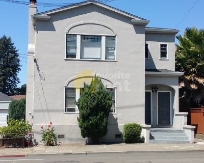 Light and bright one bedroom cottage in Rockridge