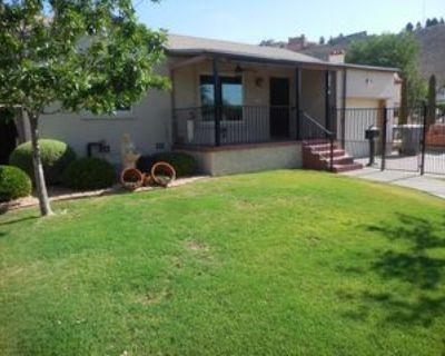 1101 Moore St, El Paso, TX 79902 3 Bedroom Apartment