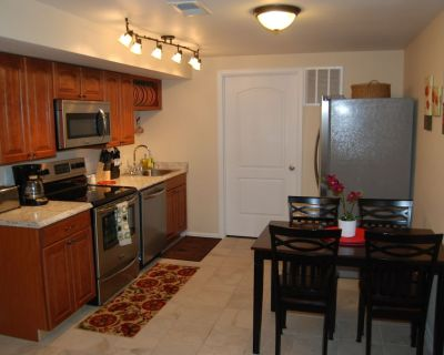 The Cottonwood 2 bed 1 bath in the North end of Colorado Springs - Woodmen Valley