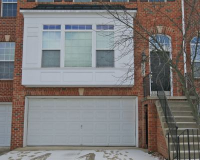 Gorgeous open floor plan townhouse in sought after Emerson!