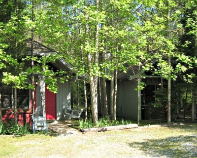 Bear Paw Cottage #2 (Queen) Adorable; Hot Tub; Pet friendly; 2 Adults/2 children - Sautee Nacoochee