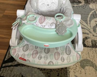 Nearly new sit me up seat from Target