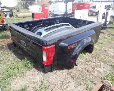 2018 FORD DUALLY 8 FT Truck Products and Accessories Truck